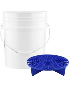 White 5 Gallon Wash Bucket With Blue Grit Guard Insert